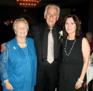 (Pictured L-R) Sr. Sally Mitchell, UIW Online instructor; Dr. Louis Agnese, UIW president; and Patricia Davis, superintendent, Department of Catholic Schools on May 3 at the Outstanding Leaders in Catholic Education dinner held at the Omni Hotel.